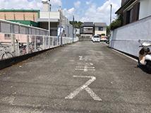 太秦院の駐車場2